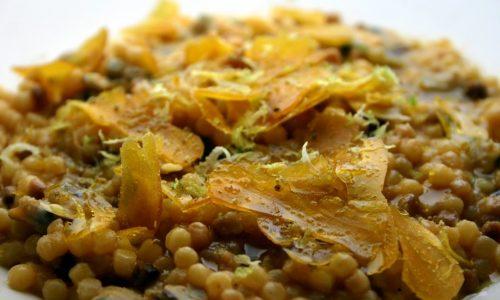 Fregola risottata vongole, bottarga e limone