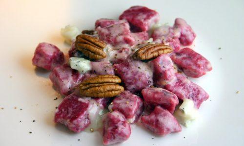 Gnocchi rossi, gorgonzola e noci pecan