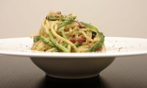 Carbonara con asparagi